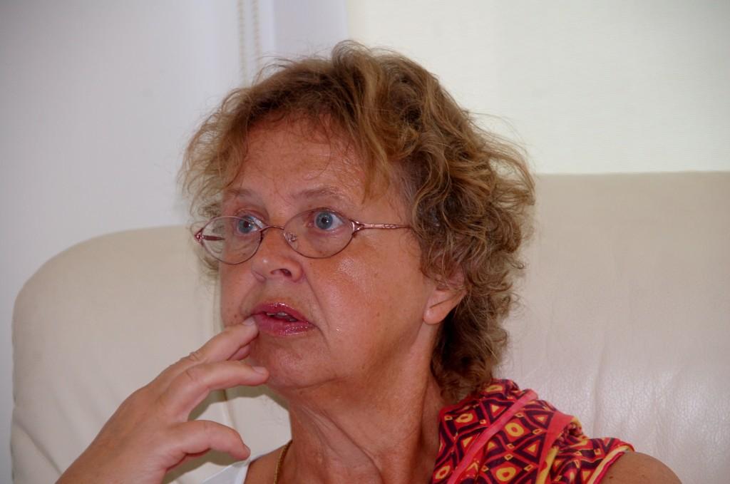 Hålla sig stilla efter första sprutan på måndag?? Hmm, ska det verkligen vara nödvändigt?! Jajamän svarade Birgitta, det ska jag nog se till. Det blir inget rännande här inte!!