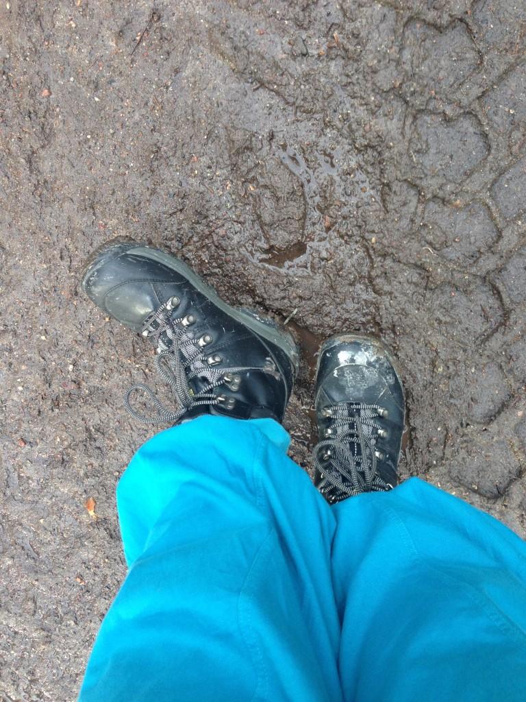 Dessa fötter är förberedda för att vandra.