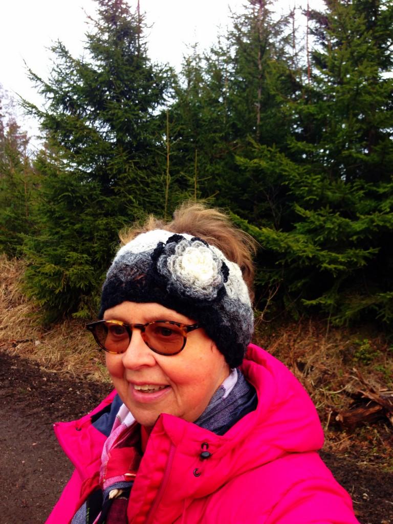 Att återse träden, vandra och lufta tankarna. Jag återminns alltihop och det är gott och livsbejakande. Att få gå är en fröjd och ett privilegium